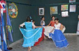 Se presentó la muestra en conmemoración del 208º aniversario de la independencia paraguaya