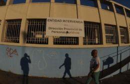 El cartel de intervención en la sede del social (foto: Sebastián Casali)