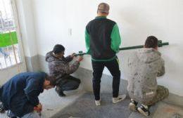 Colocaron barandas en rampas de accesos al Consejo para Personas con Discapacidad