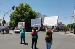 """Trabajadores de la Mutual 10 de Junio exigen respuestas: """"El Ejecutivo es responsable de esta situación"""""""