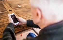 Servicio de atención telefónica a adultos mayores