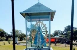 La imagen de la Virgen de Luján fue devuelta a su lugar en el Parque Cívico