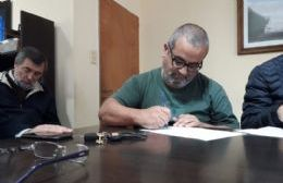 Firma de acta y acuerdo salarial: Los gremios aceptaron la oferta del Ejecutivo