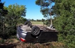 Sin piedad: mientras velaba a su esposo fallecido en un accidente de tránsito, dos ladrones se metieron en su casa