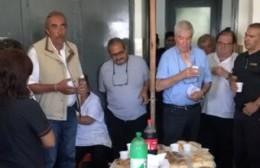 Despedida sorpresa de los trabajadores del Hospital a Alfredo Zanaroni