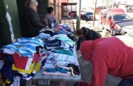"""Grupo Emprender y una """"exitosa"""" jornada solidaria en Villa Roca"""