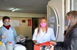 Entrega de elementos de protección personal a trabajadores de la salud