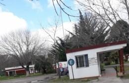 Observación vecinal por la presencia de una camioneta con ploteo político en el Cementerio