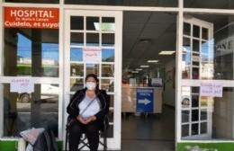 Trabajadora encadenada en el Larraín: Una beca sin continuidad y un conflicto sin fecha límite