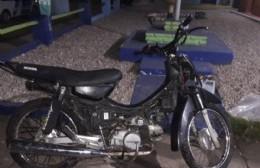 Detenido mientras robaba una moto en cercanías del Puente Roma