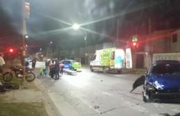 Choque entre un auto y una moto en Montevideo y 32
