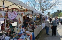 Feria de Artesanos y Emprendedores en el Parque Cívico
