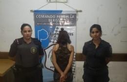 """La mujer fue detenida por """"lesiones y daños""""."""
